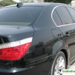 برخورد پلیس با راننده و نصابان برچسب شیشه دودی غیرمجاز ، خودروهای داخلی با شیشه دودی تولید نمیشوند