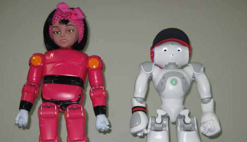 ربات های مینا و نیما در خدمت کودکان مبتلا به اوتیسم